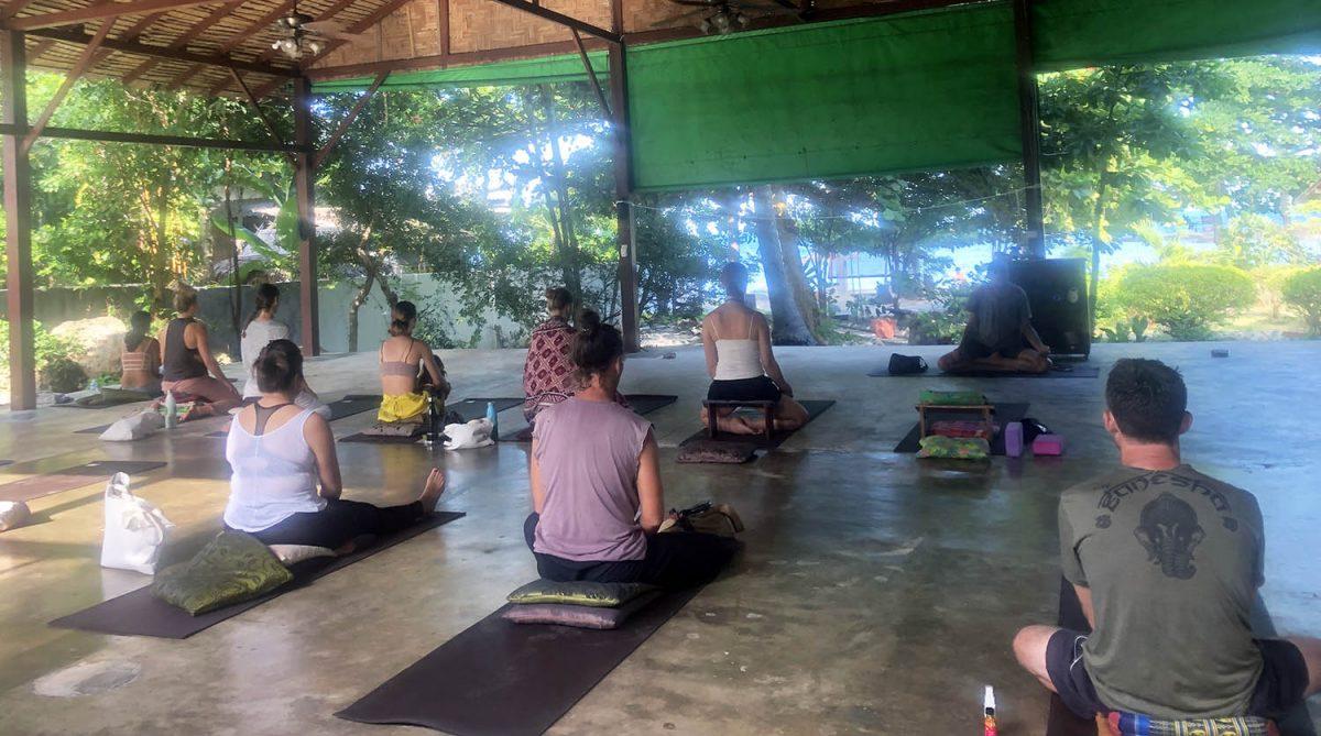 Probando la meditación y el yoga