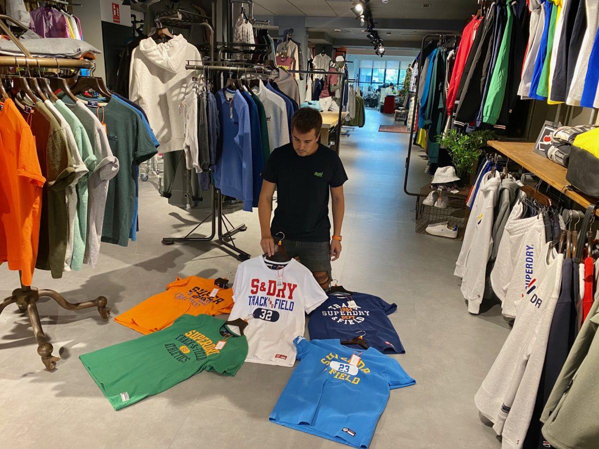 Nueva temporada de ropa en Superdry: el negocio de la moda